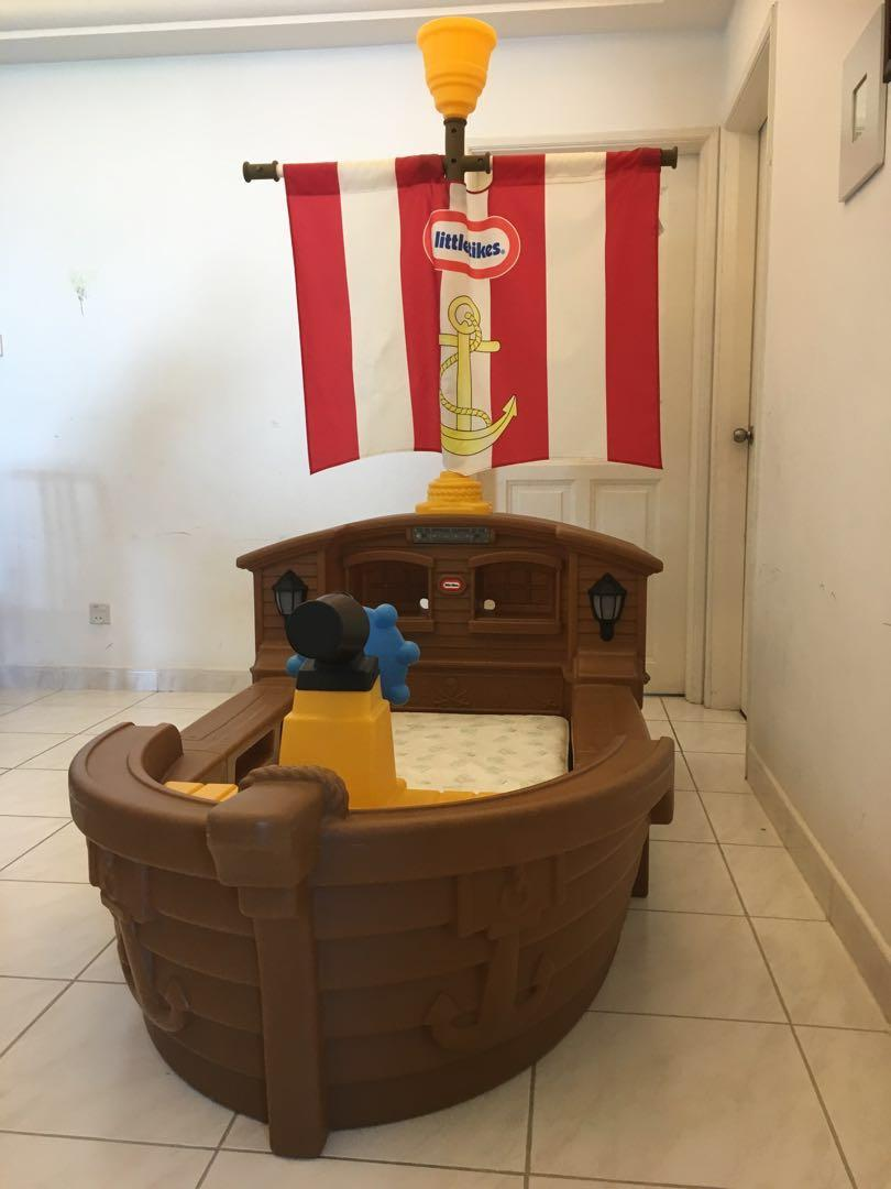 Picture of: Littletikes Pirate Ship Bed Furniture Beds Mattresses On Carousell