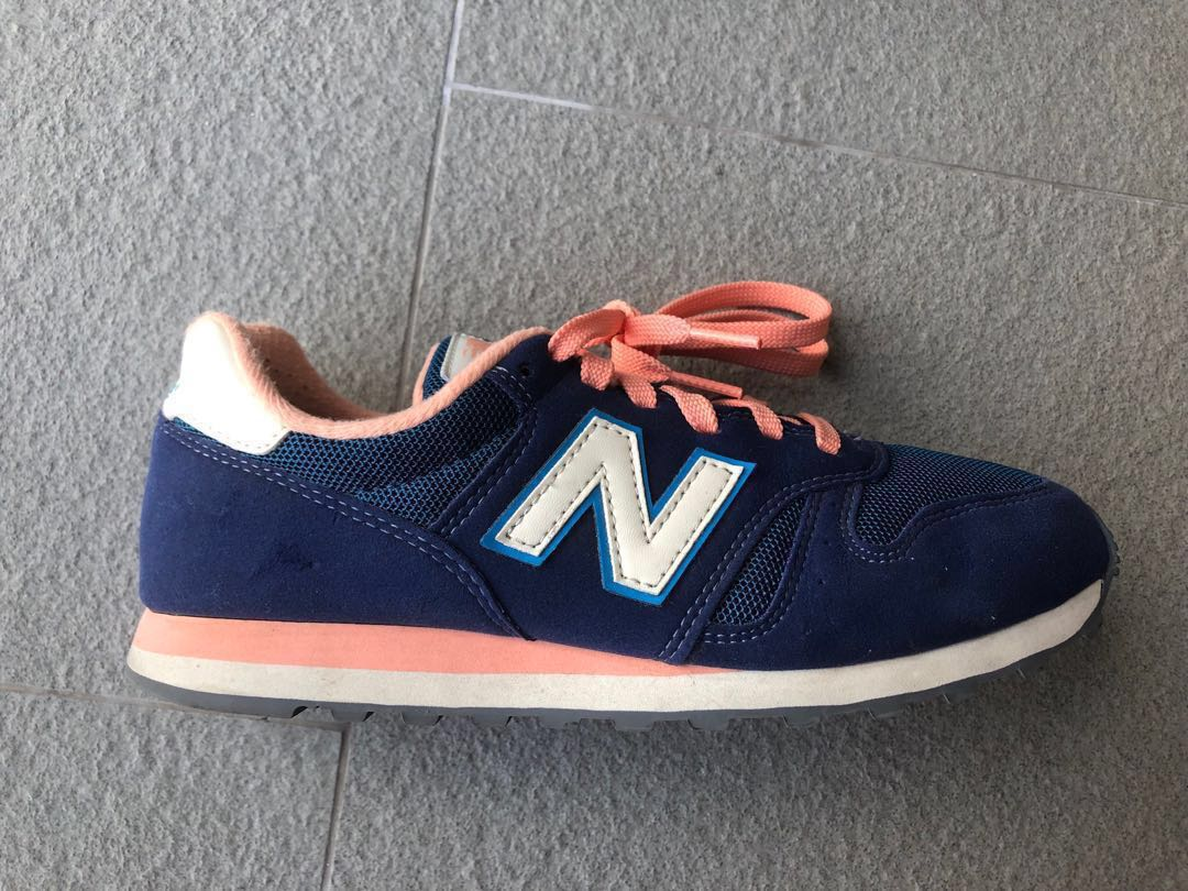 Mint condition Navy blue and salmon pink New Balance 373 Trainers