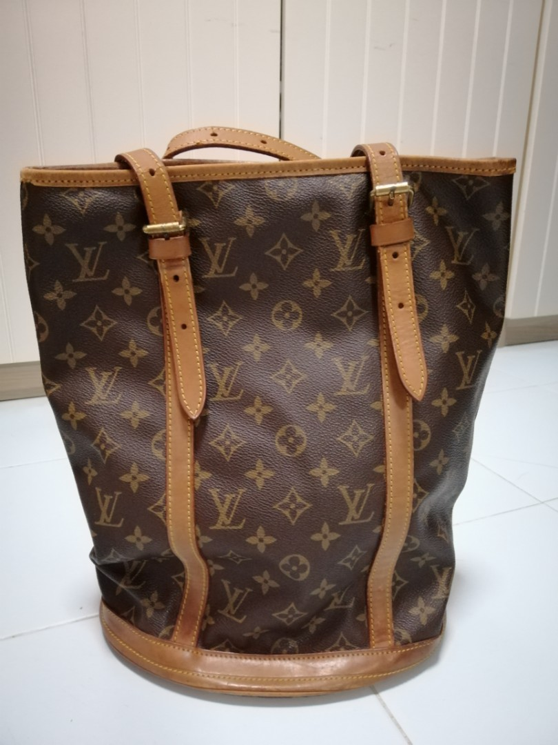 5a2d2003a0d Pre-loved Louis Vuitton LV Monogram Marais Bucket Bag, Luxury, Bags ...