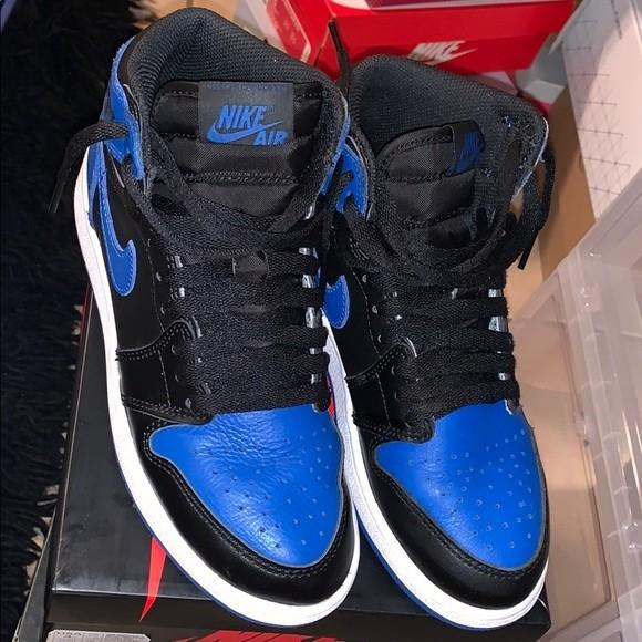 PREOWNED Kids Size 4