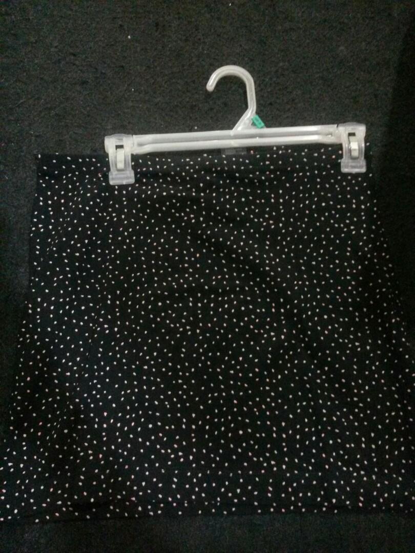 Skirt H&M kondisi 95%
