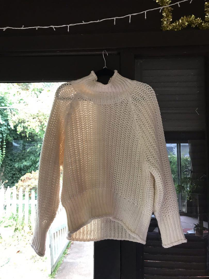 White cosy chunky turtle neck knitwear jumper size 8 S