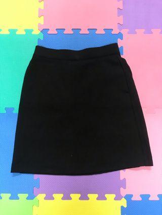 黑色高腰裙