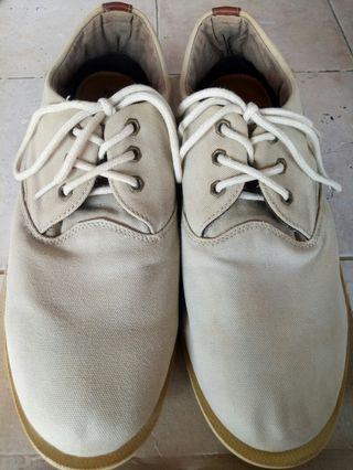 Sepatu Quiksilver Ori / White Shoes Stylish