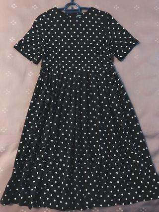 Polka Dots Dress (over the knee)
