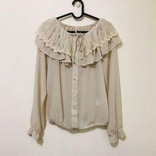 全新小暇日本cocodeal蕾絲縮口襬雪紡襯衫