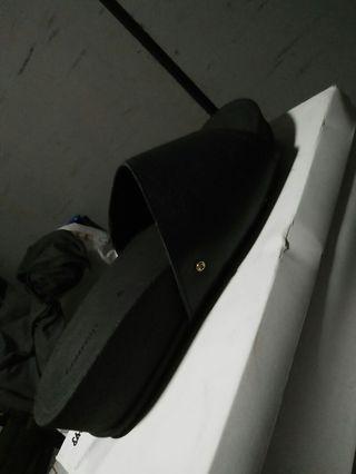 Leather sandle
