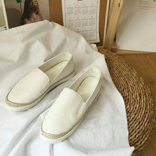 🚚 全新渡假風純白色編織邊藤編草蓆麻繩邊懶人鞋小白鞋休閒鞋平底鞋35號22.5號