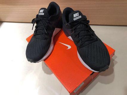 Nike 運動鞋 哈林店購入