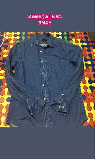 blouse/shoes