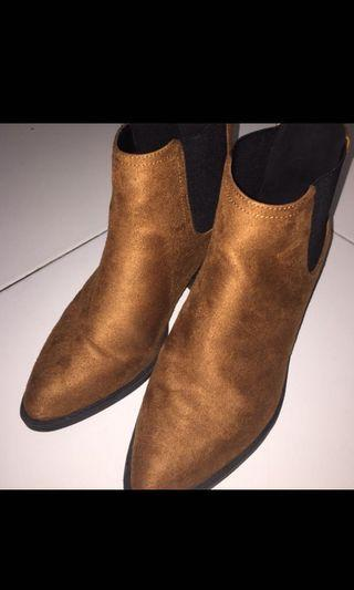 Boots preloved