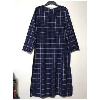 🚚 Modern Chic Checkered Long Tunic Dress/Jubah. Size: XL. Well kept in packaging