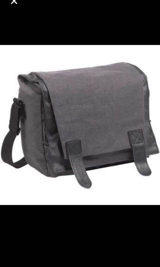 🚚 National Geographic Camera Bag