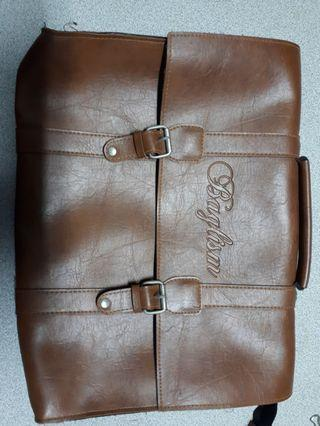 🚚 Leather document bag