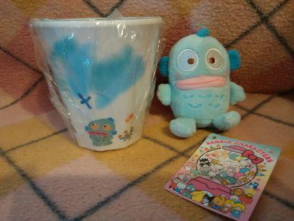 (全要💲100 )Sanrio 日本限定 hangyodon 水怪膠水杯毛公仔