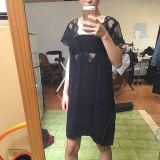 🚚 胸口鏤空蕾絲洋裝