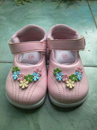 #Bapau Sepatu anak Perempuan Baby Millioner