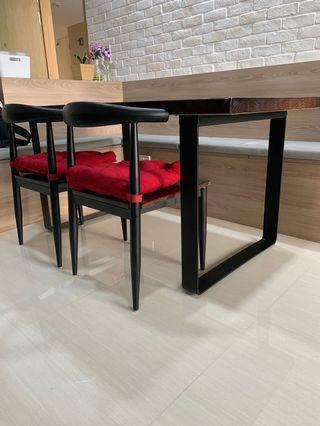 🚚 Dining Table 150cm by 80cm