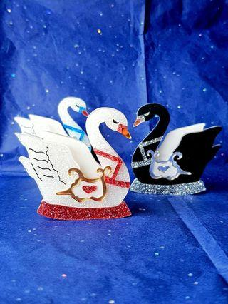 🇦🇺BNIP🇦🇺 GISELLE Iridescent & Glittery Swan Brooches