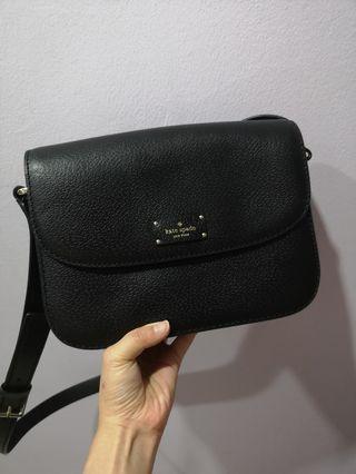 🚚 Kate Spade Sling Bag in black