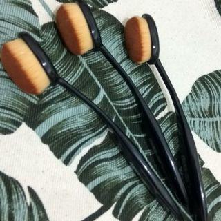 Oval Brush #BAPAU