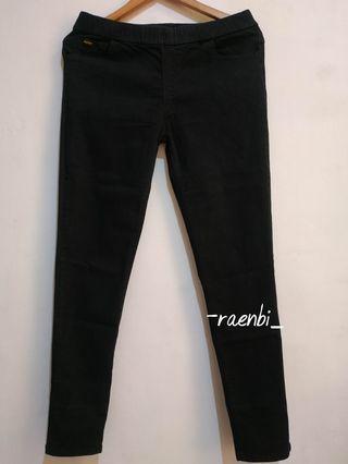 Jeans Hitam Stretch