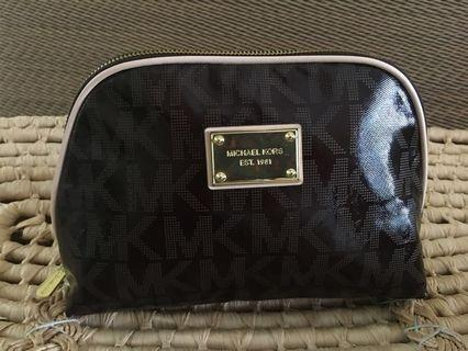 Ready stock: (Large) Michael Kors leather pouch