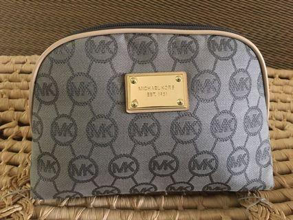 Ready stock: (Large) Michael Kors sparkling mk logo pouch