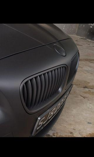 Dechrome your front front grille and logo with Plastidip