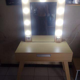 Meja Rias MUA / Vanity Table