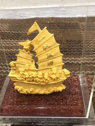 🚚 镀金帆船
