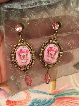 Tarina Tarantino c Hello Kitty Earrings