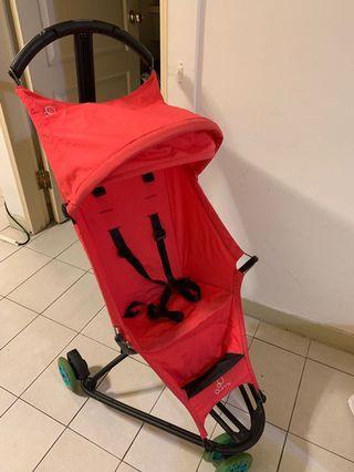 Quinny超輕巧傘車