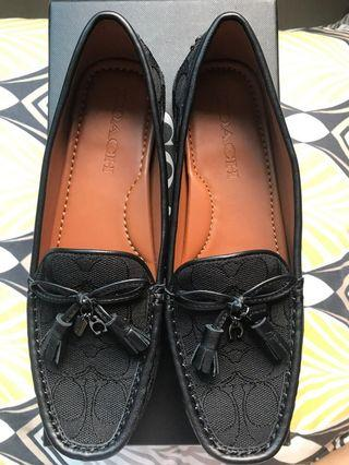 🚚 Coach Loafers