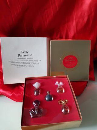 🚚 Travel set mini perfume Elizabeth Arden Nina ricci Christian dior
