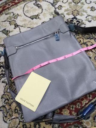 🚚 Offer full leather $120