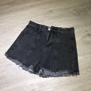 🚚 全新 百搭 灰黑色 牛仔短褲 牛仔褲 短褲