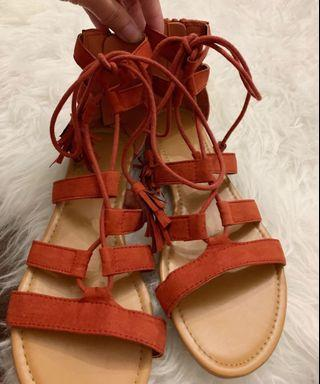 ‼️Forever21 Suede Tassel Sandals