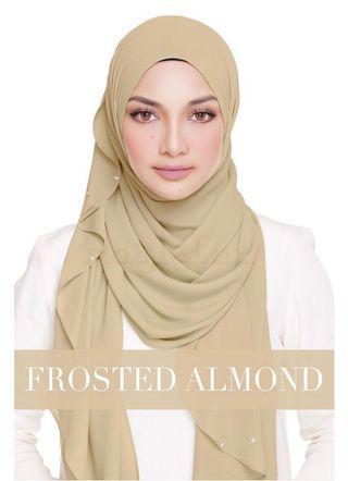 Naelofar Hijab Lady Warda Shawl in Frosted Almond