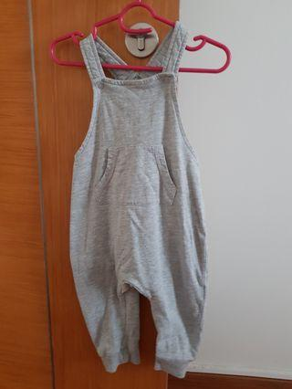 🚚 Baby dungarees 9-12m