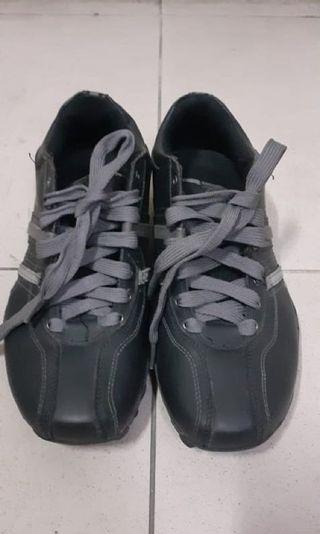 Skechers men shoes sz 39.5