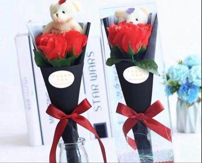 少量現貨🌹🐻小熊香皂味 3 朵玫瑰花束  飾物 母親節禮物 BEAR SOAP 3 ROSES FLOWERS BOUQUET WHITE VALENTINES EASTER MOTHER'S DAY GIFTSo