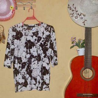 Baju kaos vintage wanita