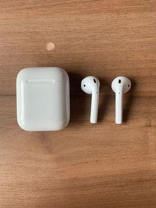 Apple Airpods Version 1 Non wireless charging