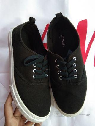 Sepatu H&M Black (FREE ONG JABODETABEK)