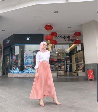 2 Branded Skirt ‼ Larney & Scha ‼ Take Both RM 100 🌸 ONLY 🌼