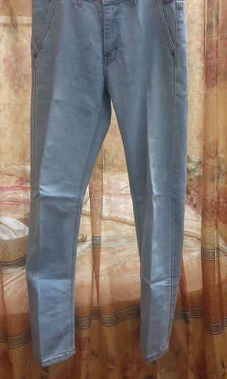 Preloved- Jeans Pria Warna Light Blue Uk.32
