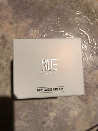 RUE OASIS CREAM Korean