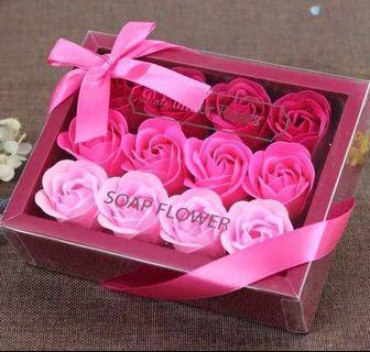 最後一盒🌹2019 法式浪漫香皂花香梘花禮盒 18 朵 漸變色玫瑰 母親節花 母親禮物 求婚婚禮周年紀念 新年賀年情人節生日 元宵佳節禮物 ROMANIC LOVE VALENTINES ANNIVERSARY WEDDING NEW YEAR BIRTHDAY SOAP ROSES FLOWER BOX  GIFT