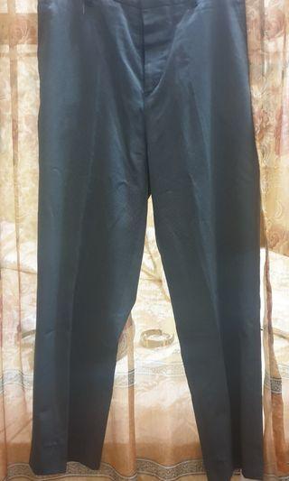 Preloved - Celana Bahan Uk. 32